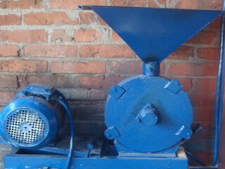 Бытовая мельница зернодробилка дробилка отходов в Арзамас