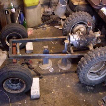 Самодельный трактор для вспашки