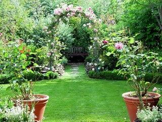 Необычные декорации и сад иллюзий