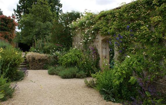 Сада в английском стиле и его фото